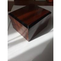 Деревянная коробочка для часов оптом